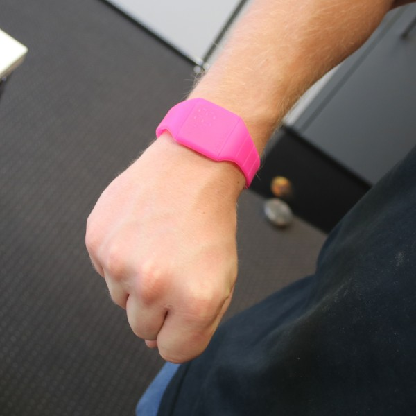 "LED Armbanduhr ""Light Up Mini Watch"" - pink - digitale Anzeige leuchtet bunt"